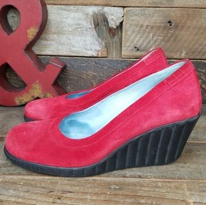 Comfortable MAG Raspberry Red Suede Leather Shoes